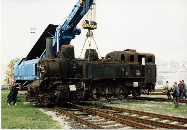 Ten istý stroj o necelé štyri mesiace neskôr počas vykládky na bratislavskom Rendezi © M. Entner