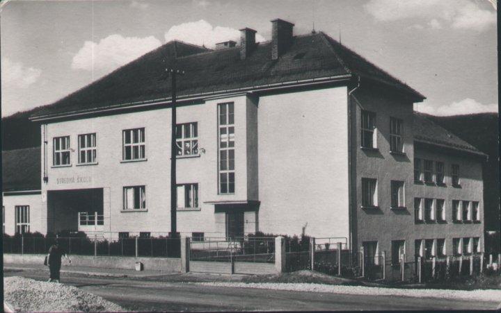 gymnazium-old